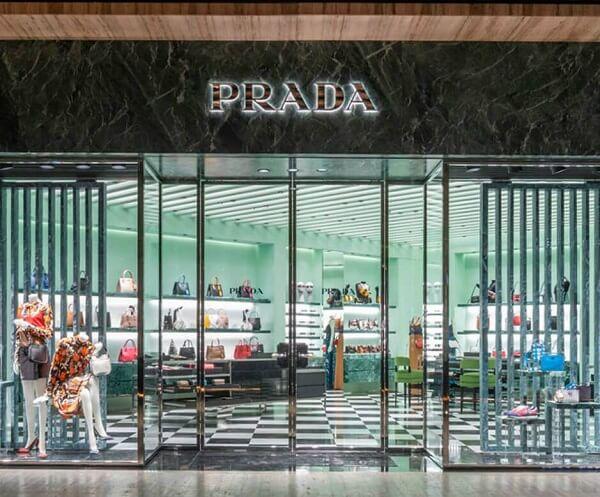 Prada là thương hiệu thời trang cao cấp của Ý