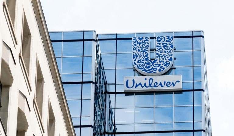 Từ Unilever, Coca-Cola đến P&G: Đâu là động thái đáng chú ý trước thềm năm 2021 đang đến gần?