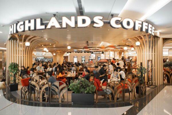 Highlands Coffee là điểm đến yêu thích của khách hàng trong và ngoài nước