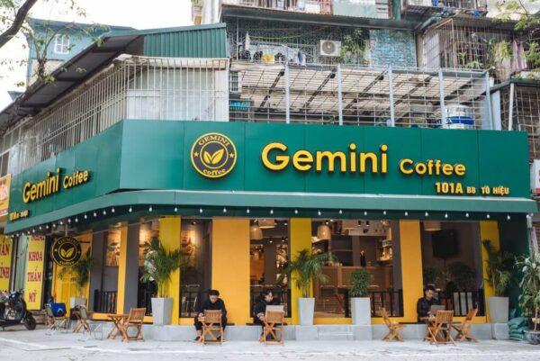 Gemini Coffee nổi bật với hai gam màu vàng và xanh